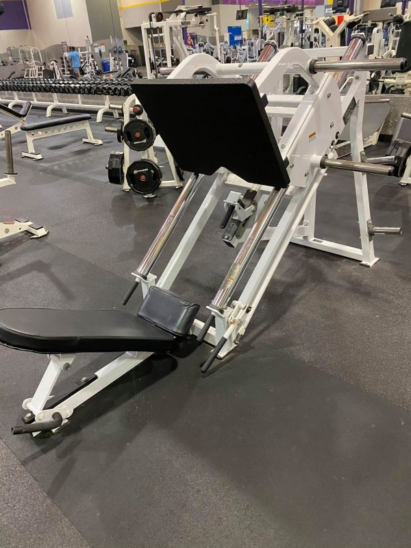 HAMMER STRENGTH LEG PRESS