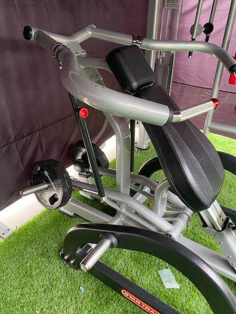 star trac shoulder press